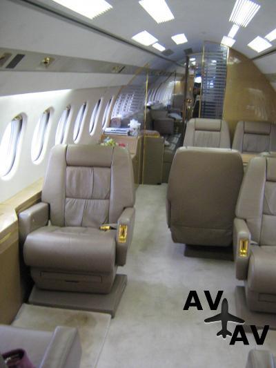 Falcon 900 B