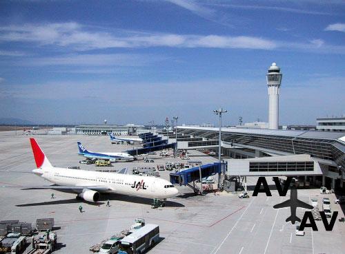 Информация про аэропорт Серуи  в городе Серуи  в Индонезии
